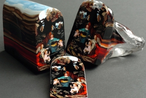 Glass Portraits Are Sliced Incredibly Like a Loaf of Bread