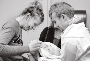 Touching Photos Of Fathers Seeing Their Babies For The First Time