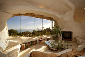 This Home Was Designed Like A Flintstones House For A Famous Celebrity
