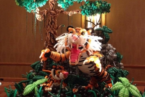 24 Epic Balloon Sculptures To Really Get The Party Poppin'