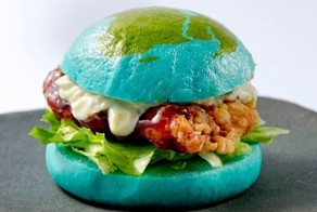 """Japan's Edible """"Blue Burger"""" Dares You To Eat The Earth"""