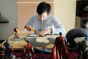 A Creative College Student Built Amazing Super Hero Costumes