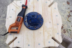 This Guy Built An Awesome Table Out Of An Abandoned Fire Hydrant