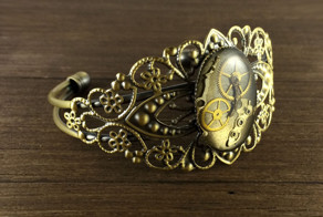 Steampunk Jewelry Made From Old Watch Parts By Lithuanian Artist