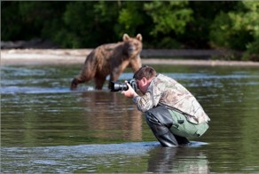 55 Crazy Photographers Who Will Do ANYTHING For The Perfect Shot