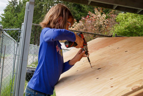 9-Year-Old Girl Builds Shelters For The Homeless