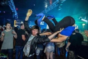 15 People Showing You How NOT To Behave In The Club