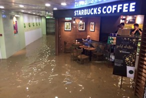 Man Completely Unfazed By Flood In Starbucks Inspires Hilarious Photoshop Battle