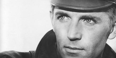 20 красивых актеров, которым идёт военная форма
